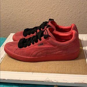 Red Pumas Men's 12